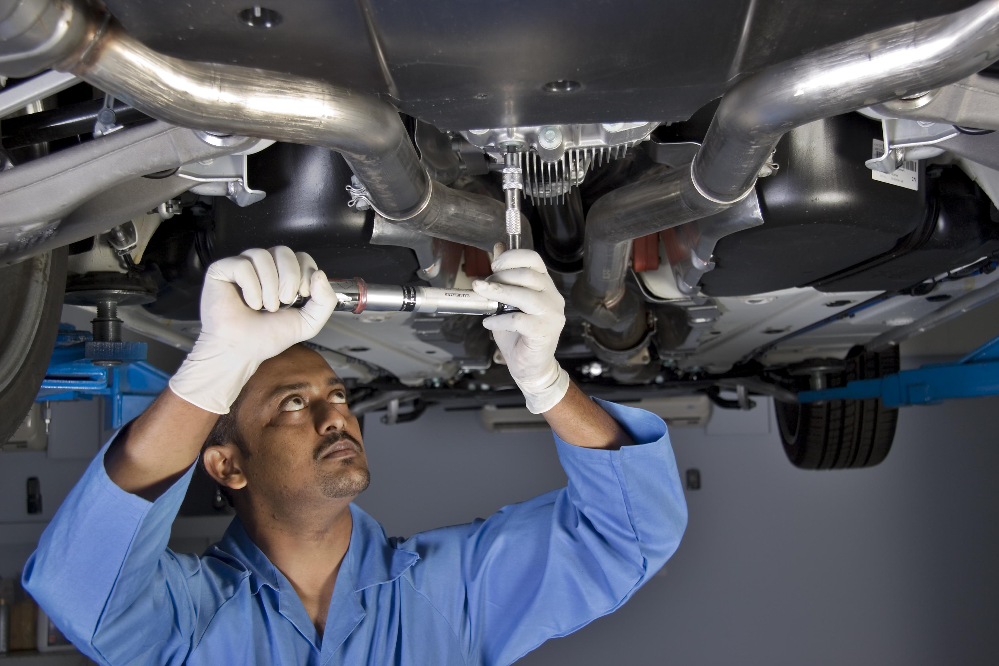 Auto Dealer Car Dealerships Focus On Repair Service Shop